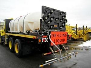 Environmentally friendly liquid deicer